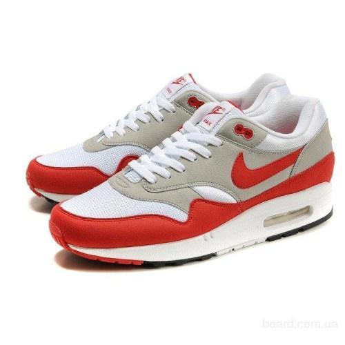Главные «особенности» приобретения спортивной обуви в интернет магазине.