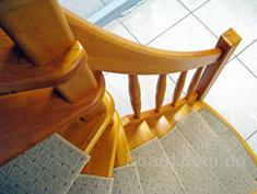 Деревянные лестницы на второй этаж в Санкт-Петербурге