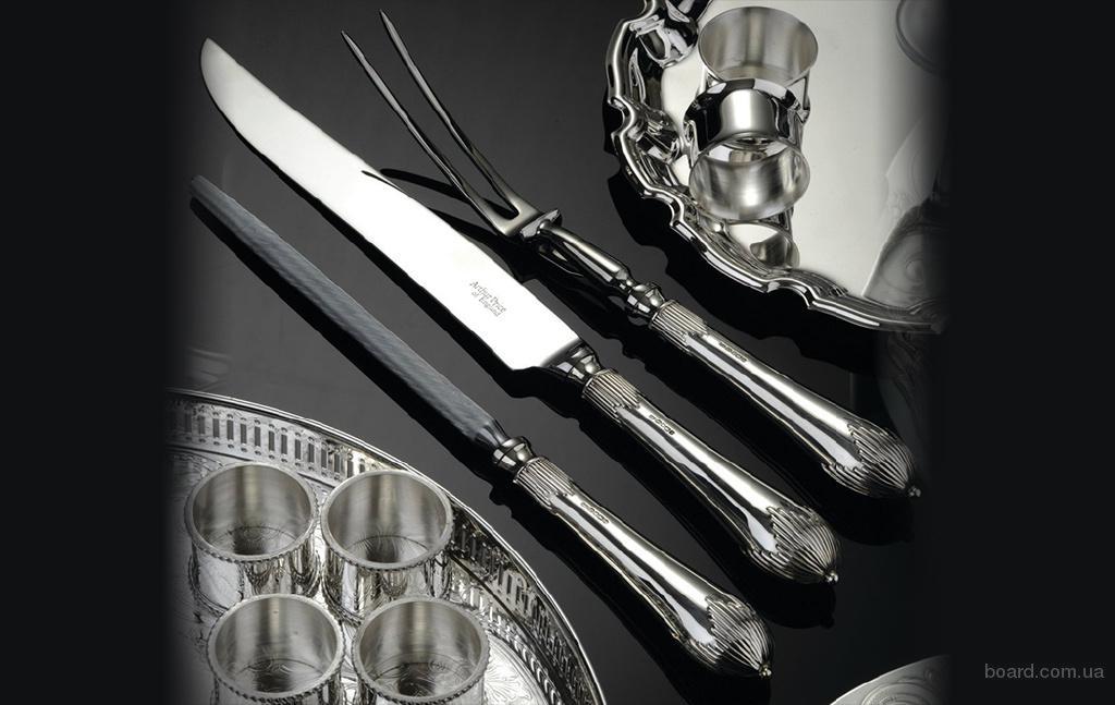 Серебряные столовые приборы в магазине Royal Buckingham