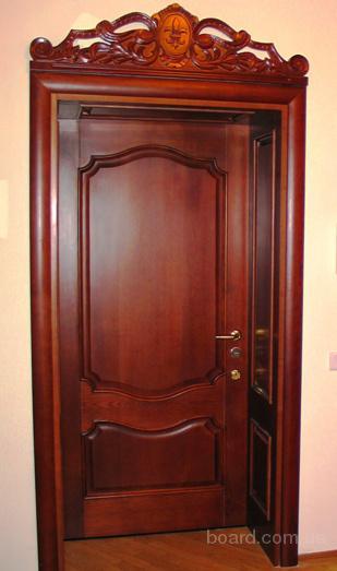 Двери филенчатые, лестницы под заказ.