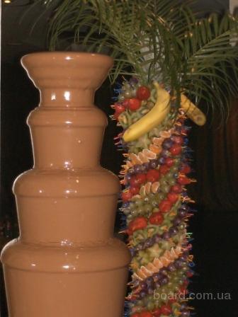 Шоколадные фонтаны - сладкая вершина кейтеринга.
