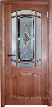 Двери филенчатые, лестницы под заказ от производит