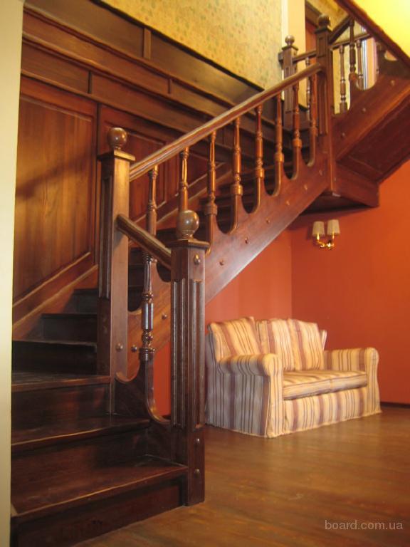 Лестницы под заказ из натурального дерева.