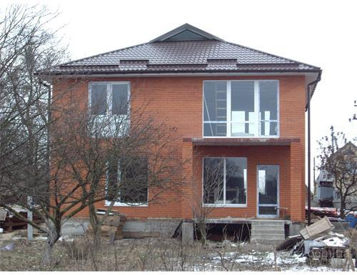 """Строительная компания занимается строительством коттеджей  """"под ключ """" по Киеву, Киевской области и ее пределами."""
