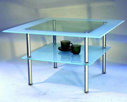 Стеклянные столы.  Витражи.  Зеркала для коридоров и ванных комнат.