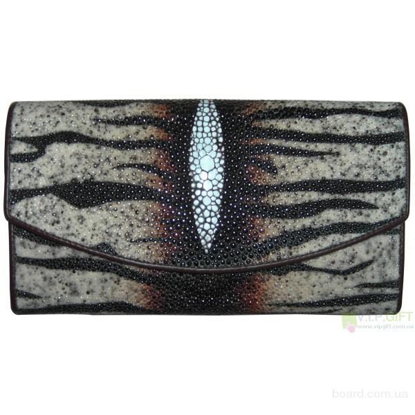 Магазин элитных подарков www.vipgift.com.ua предлагает большой выбор кожаных барсеток, портфелей, женских сумок...