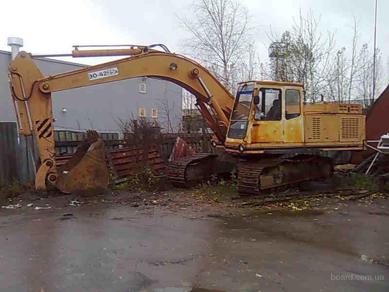 Продаем экскаватор гусеничный гидравлический ЭО-4225А-09 2005 г. наработка - 160 м/ч ковш - 125 куб. м. двигатель...
