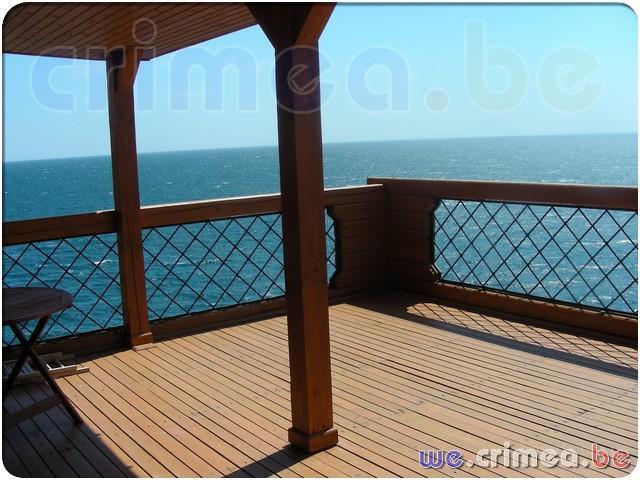 .Форос - деревянный коттедж из цельного бруса у моря