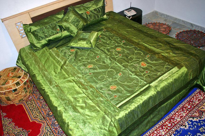 Купить одеяло из натурального шелка