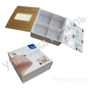 "картонная коробка для косметики  ""VICHY """