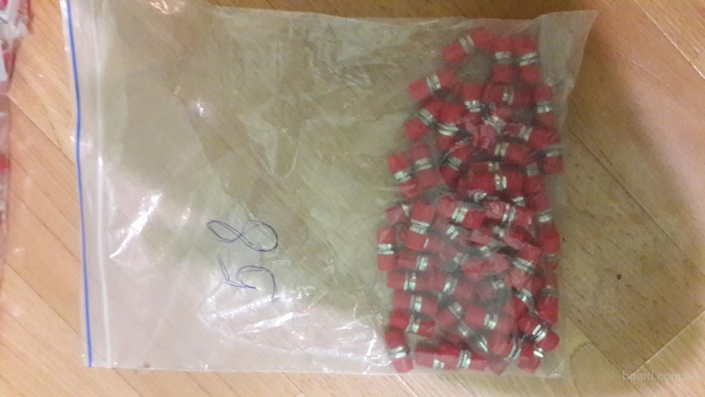 Адаптер (каплер) FC/UPC (синий), SX(симплекс) красные заглушки — 58шт — 4 грн/шт;