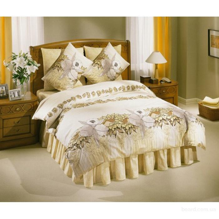С намеком на роскошь: постельное белье и халаты из атласа