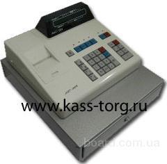 Обязанности: Обслуживание покупателей на кассе.