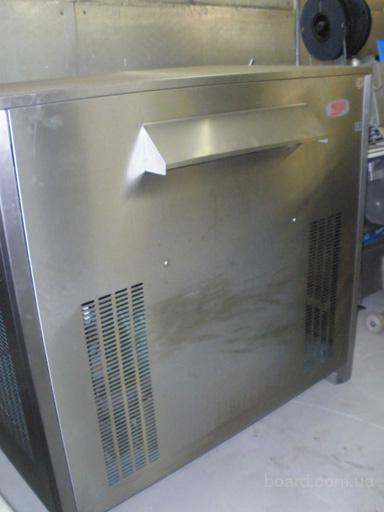 Продам льдогенератор MAJA чешуйчатого льда на 650к. продам) .