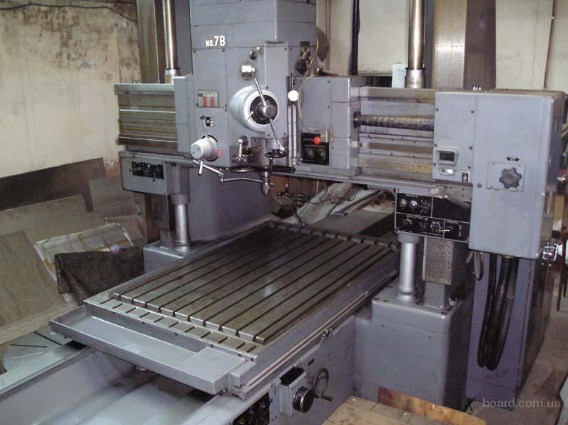 2. координатно-расточной станок MITSUI SEIKI J7B с комплектом инструмента и принадлежностями.