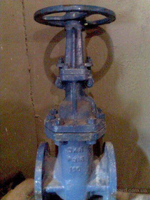 Задвижка - трубопроводная арматура, в которой запирающий или регулирующий элемент перемещается