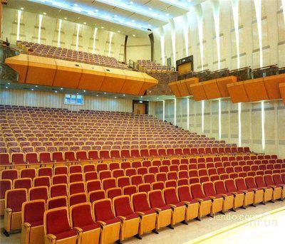 Большой зал Петербургской