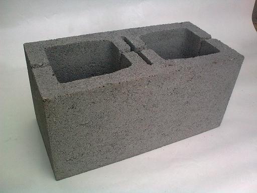 Бетонные стеновые блоки нужны для строительства несущих стен и возведения подземных частей домов и сооружений жилого...
