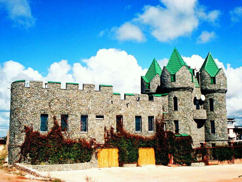 Цена: 2 500 000 долларов США Элитный дом в стиле средневекового замка в 50 метрах от берега открытого Черного моря!