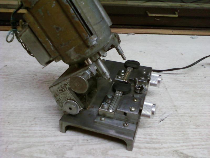станок для изготовления ключей - продам.купить станок для изготовления ключей. Зеленодольск, Апостоловский район, Днепропетровск