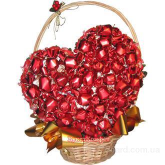 Букет из конфет к дню святого валентина