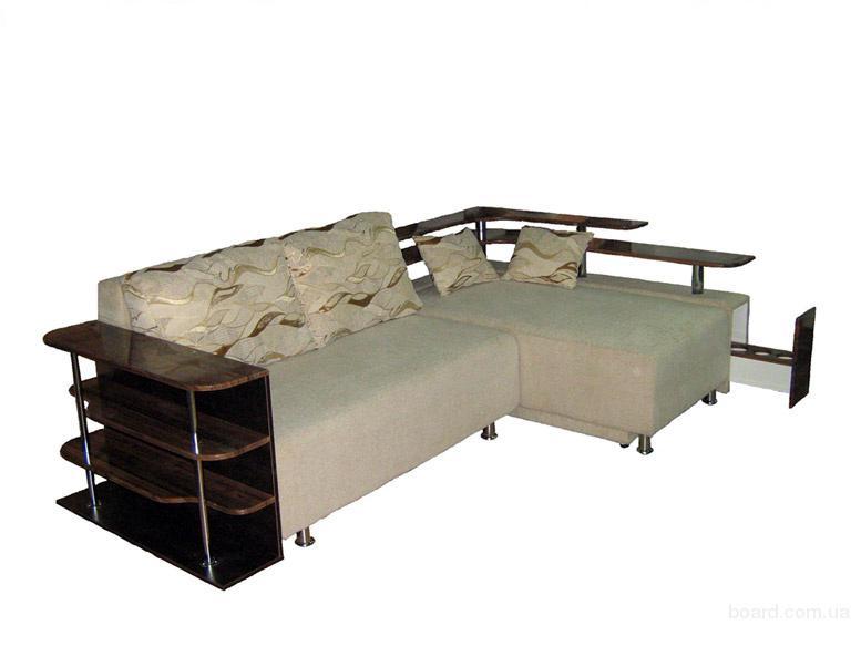 Угловой диван, выполнен модульным, состоит из двух