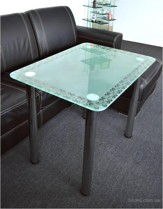 Стеклянный стол OSCAR Цвет: белый глянцевый лак, алюминий/стекло . Стеклянные столы для кухни являются прекрасным