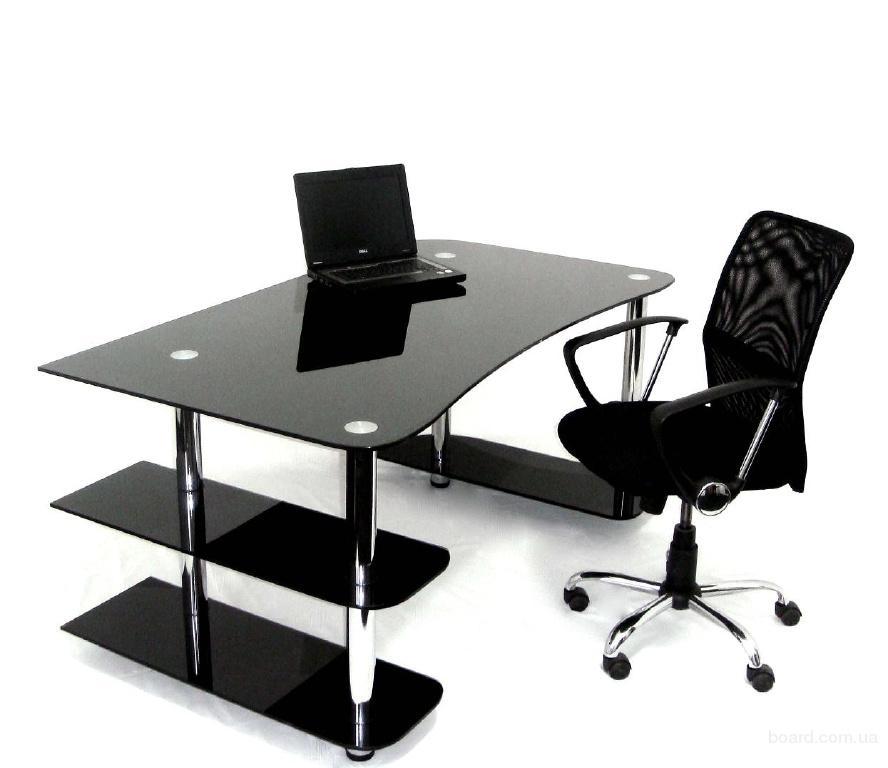 Красивый компьютерный стол b из стекла/b.