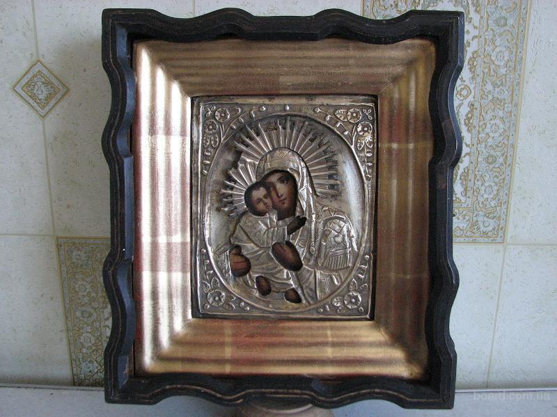 Профессиональная реставрация старинных икон и  рам и киото.