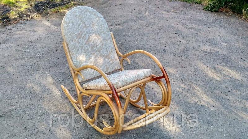 """Кресло-качалка из ротанга """"Олимп"""" с подножкой"""
