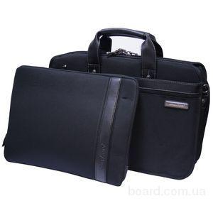 сумка для ноутбука жёсткая со съёмным чехлом.