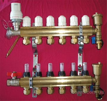 Коллектора , смесительные узлы, трубы, утеплитель для теплого пола.