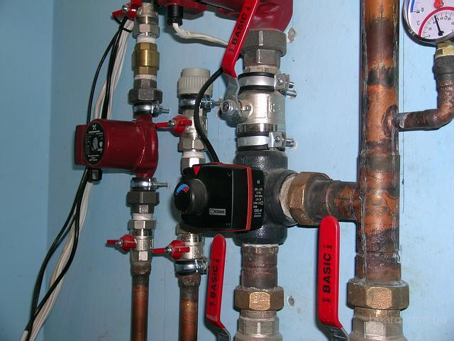 Производим сантехнические работы: замена труб на полипропиленовые, замена систем отопления, установка полотенце...