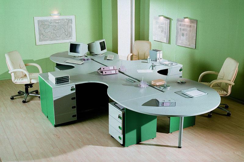 То, что касается компьютерных офисных столов, они должны быть