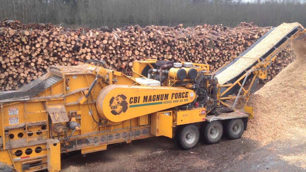 Лесопильное оборудование для деревообработки, лесопиления и измельчения. Дробилка для измельчения древесины
