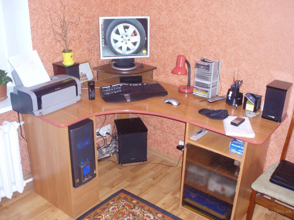 Комп и компьютерный стол (угловой) продам в обухов, украина..