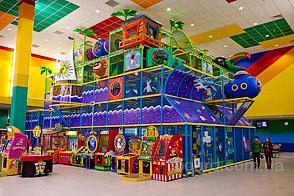 Лабиринт для детской игровой комнаты в ТРЦ.