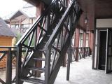 Виготовлення дерев'яних сходів за індивідуальним замовленням.