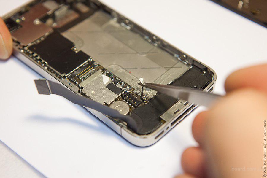 то ловит связь то нет на iphone 5s