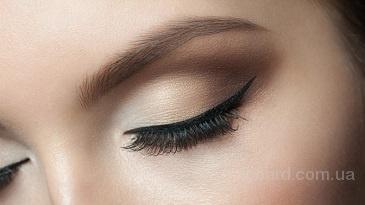 Услуги по наращиванию ресниц, перманентный макияж бровей.