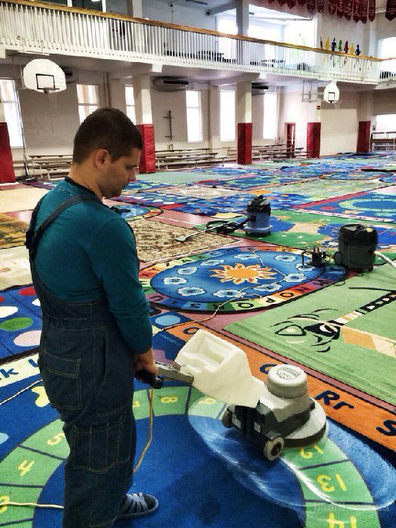Професійна хімчистка ковроліну, меблів, штор, коврів у цеху чи з виїздом до замовника
