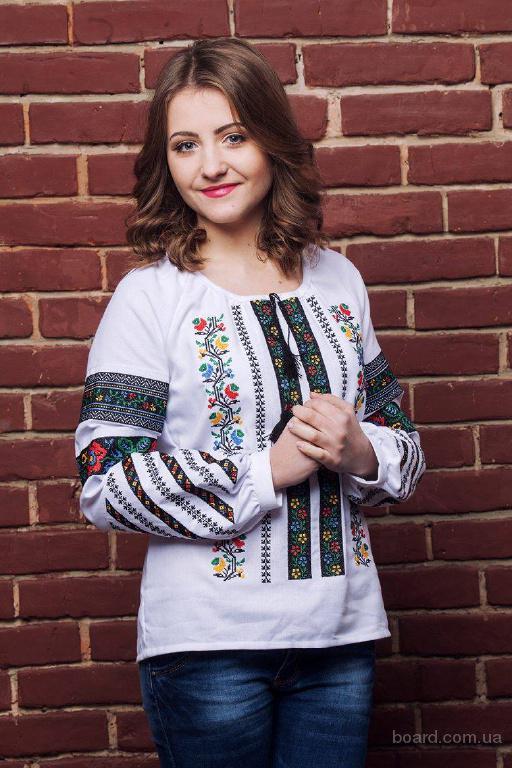 Гуртівня вишиванок. Оптовий український національний одяг для чоловіків та жінок.