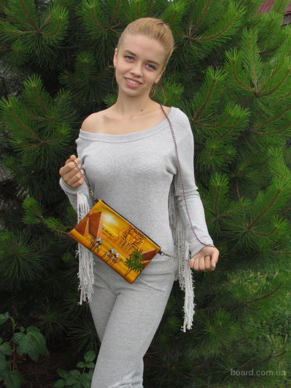 Дизайнерские мужские и женские сумки, клатчи, брелки