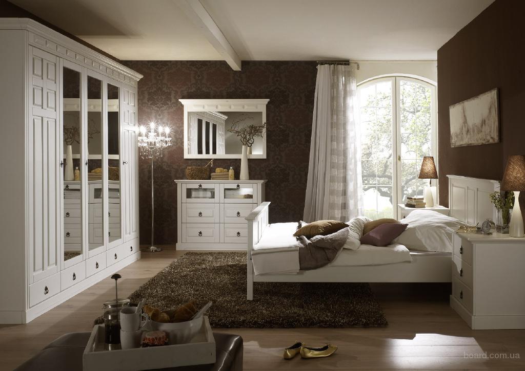 Меблі з натуральної деревини